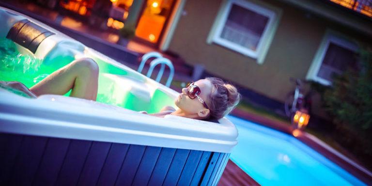 Jacuzzi w Villa Verdi Pleasure & SPA Łeba, mamy także basen!